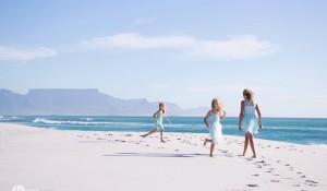 Family: Sonet, Emma & Nina – Blouberg